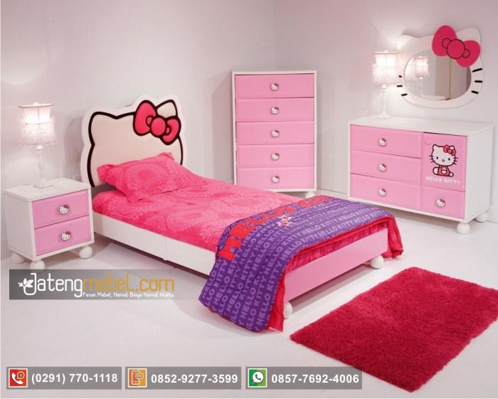 set-tempat-tidur-perempuan-hello-kitty
