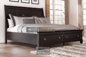 tempat tidur finishing hitam