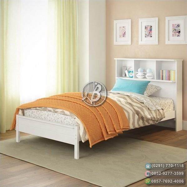 Tempat Tidur Minimalis Duco Sekat diatas