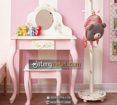 Meja Rias Ukir Desain Untuk Anak